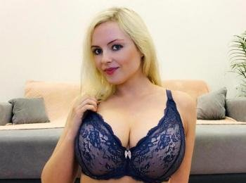 SexyCorina - Culture, flirting, meeting new people, shopping and playing volleyball - Hi! Would you like to  have nice and uncomplicated time with me? I like dirty chats and am not shy because I can show myself completely naked here! I don`t mind if you feel like C2C! Let`s get to know better !! - Alter: 29 / Virgo - Größe: 168 / normal - Geschlecht: female - Ausrichtung: bisexual - Haare: blonde / long - Piercing: none - BH-Größe: E and more - Hautfarbe: white - Augen: blue - Rasur: fully shaved