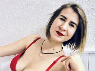 Adele - Cooking, movies and good books - This little tigeress will surprise you - with her tenderness, wit - and desire.  C*m in to find out for yourself!!! - Alter: 26 / Pisces - Größe: 169 / normal - Geschlecht: female - Ausrichtung: heterosexual - Haare: blonde / medium length - Piercing: none - BH-Größe: C - Hautfarbe: white - Augen: grey - Rasur: fully shaved