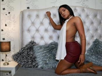 esmeraldaxortiz - I tasting new brands of chocolate, I collect rocks and I love traveling. - Hi and welcome!  My show is about fun, good times and sex a lot of sex. Im certified profesional model so you can ask me for anything and we can make and agreement.  Come and join me Im waiting for you. - Alter: 24 / Sagittarius - Größe: 155 / normal - Geschlecht: female - Ausrichtung: bisexual - Haare: black / medium length - Piercing: none - BH-Größe: B - Hautfarbe: latin - Augen: brown - Rasur: partly shaved